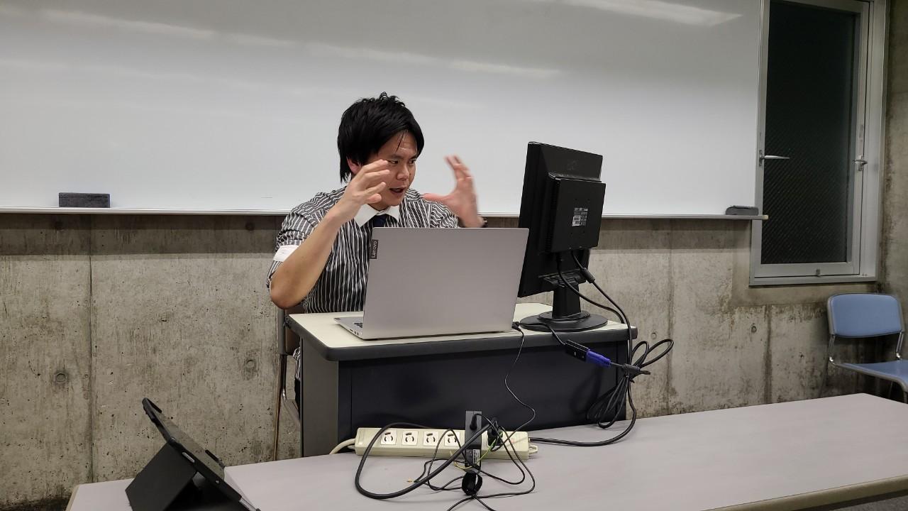20200504abe説明する有田先生2.jpg